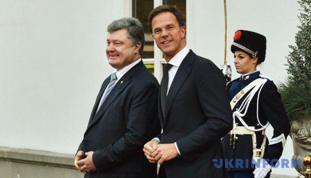 Порошенко: Единым фронтом отстояли Соглашение об ассоциации с ЕС