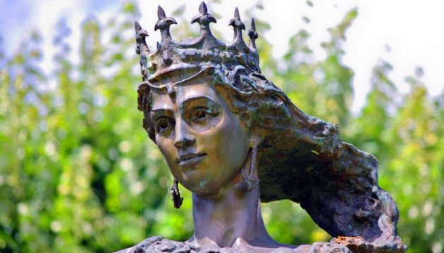 Украине время «упімнутись за свое»: Анну Киевскую Путин крадет, как Крым
