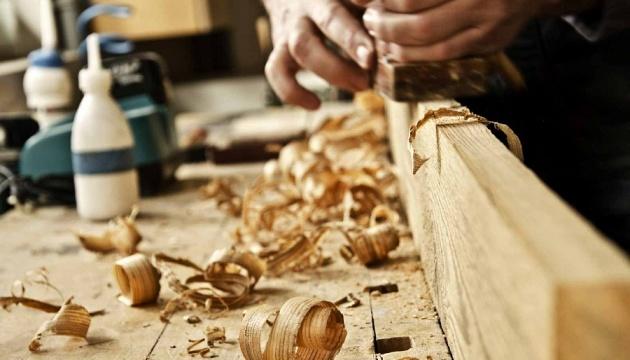 Photo of На Хмельнитчине туристов будут учить работать с древесиной