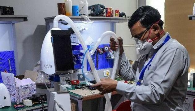 Photo of В Индии создали бюджетный аппарат ИВЛ размером с тостер