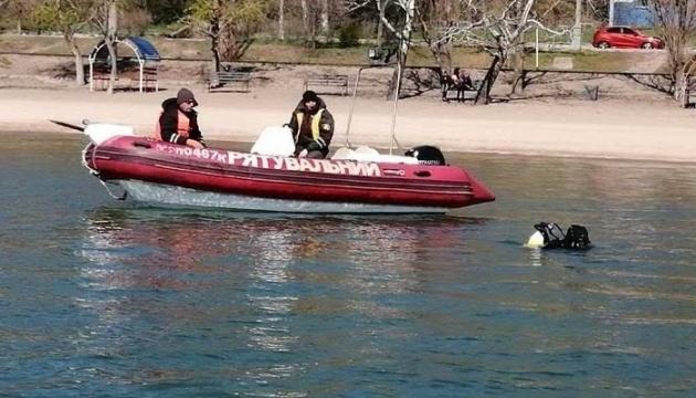 Photo of Мариупольские водолазы чистят акваторию Азовского моря