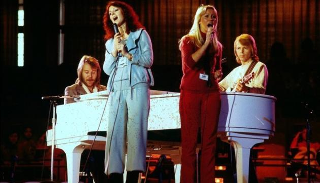 Photo of Легендарная ABBA пообещала в следующем году выпустить пять новых песен