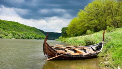 Photo of Туристов Днестровским каньоном катать «дракон» викингов
