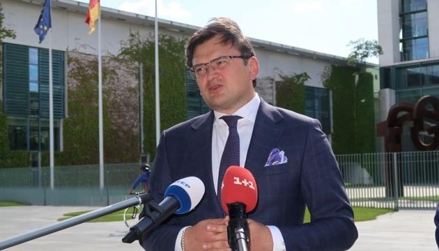 Photo of Кулеба не исключает, что переговоры ТКГ могут перенести из Минска