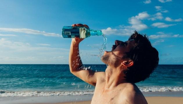 Photo of Холодные напитки в жару могут вызвать судороги желудка — медики