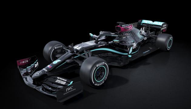 Photo of Mercedes перекрасила болиды F1 в знак борьбы с расизмом