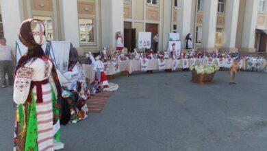 Photo of На Житомирщине просто неба экспонируют почти полторы сотни кукол-мотанок