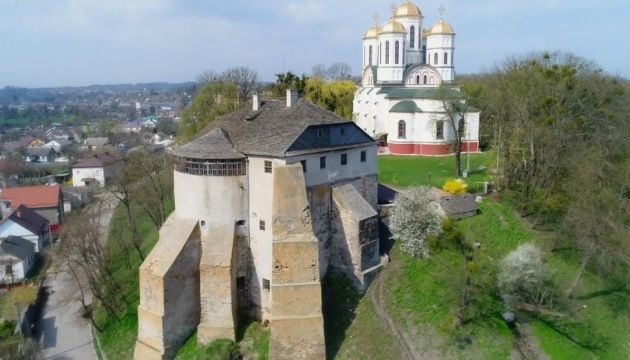 Photo of В музее Острожского замка будут тактильные копии экспонатов и инклюзивные путеводители