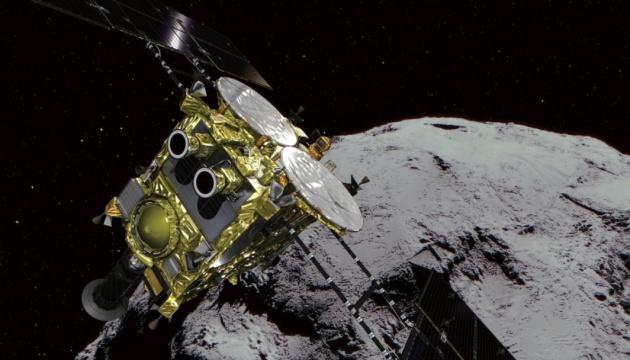 Photo of Японский зонд доставит на Землю пробы песка и камней с астероидом Рюгу