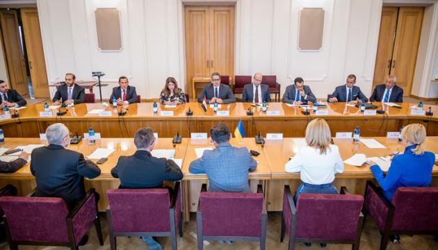 Photo of Украина и Египет договорились углублять сотрудничество в сфере туризма и инвестиций