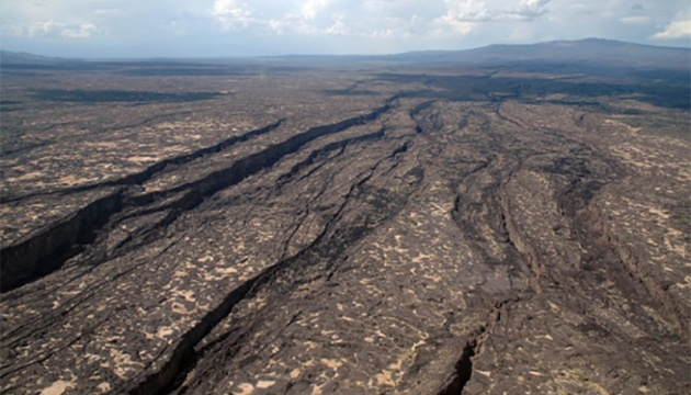 Photo of Африка медленно распадается на части — ученые