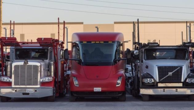 Photo of Tesla будет производить електровантажівки в Техасе