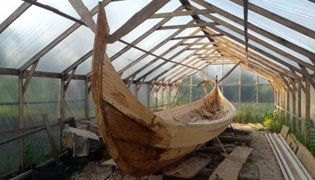Photo of В Галиче планируют спустить на Днестр средневековый лодка