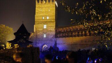 Photo of Луцкий замок пригласил туристов на ночную экскурсию-квест