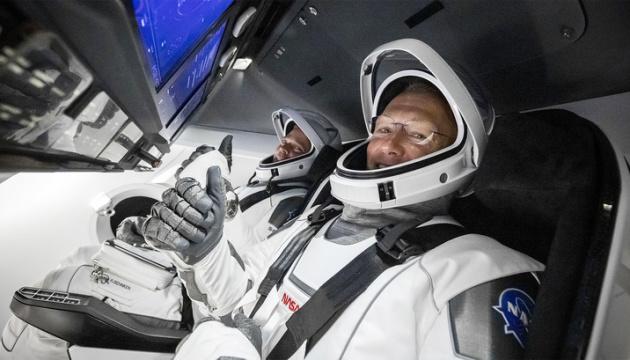 Photo of Маск и Трамп NASA поздравили с завершением полета Crew Dragon