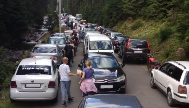 Photo of Туристический бум в Карпатах: как вместо отдыха не оказаться в пробке