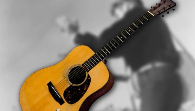 Photo of Гитару Элвиса Пресли продали за рекордные $1,32 миллиона