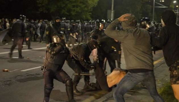 Photo of Украина призывает освободить задержанных во время протестов в Беларуси