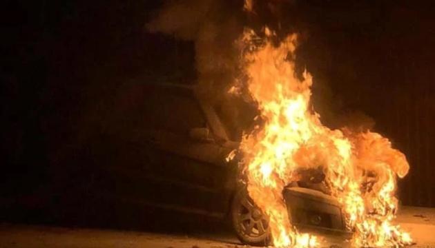 Photo of Полицию просят допросить депутата Тищенко по делу о поджоге авто Лерос
