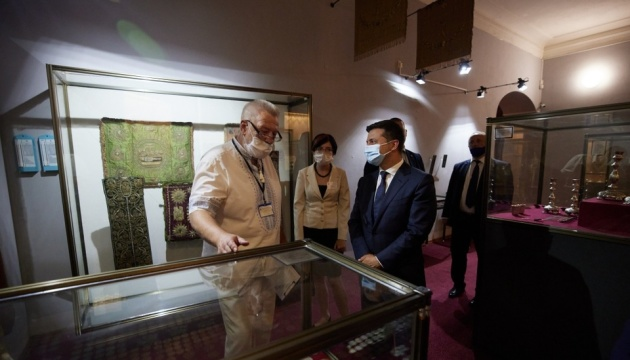 Photo of Зеленскому на Полтавщине показали туристические «магниты» области