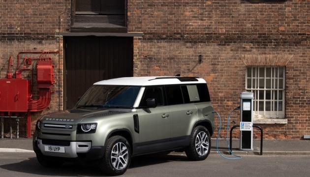 Photo of Land Rover представил внедорожник-гибрид с двигателем на 296 «лошадей»