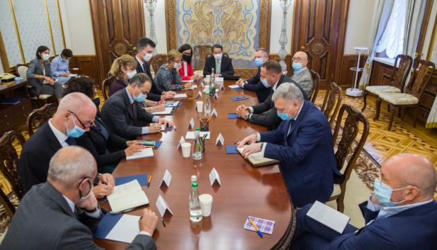 Photo of Ермак рассказал послам G7 о результатах переговоров «нормандских советников»