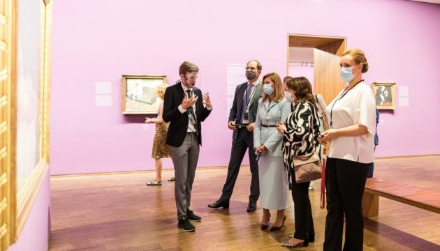 Photo of Елена Зеленская в Вене посетила художественную галерею Альбертина