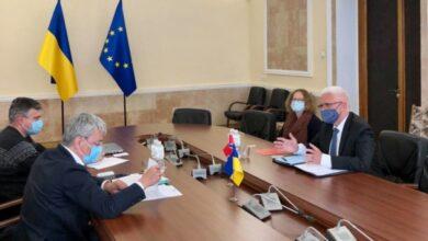 Photo of Ткаченко обсудил с послом Норвегии новый законопроект о туризме