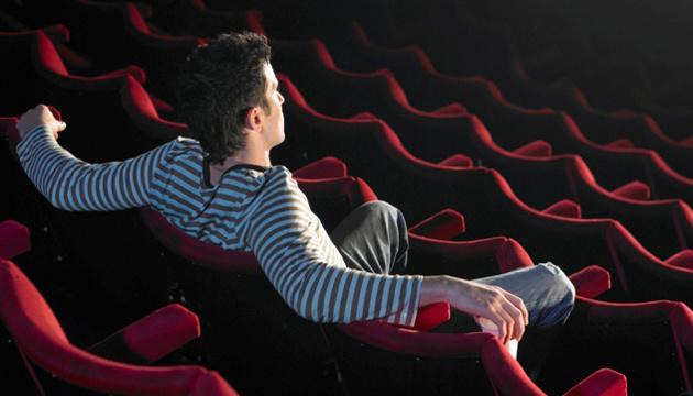 Photo of Кинотеатры под угрозой исчезновения — голливудская режиссер