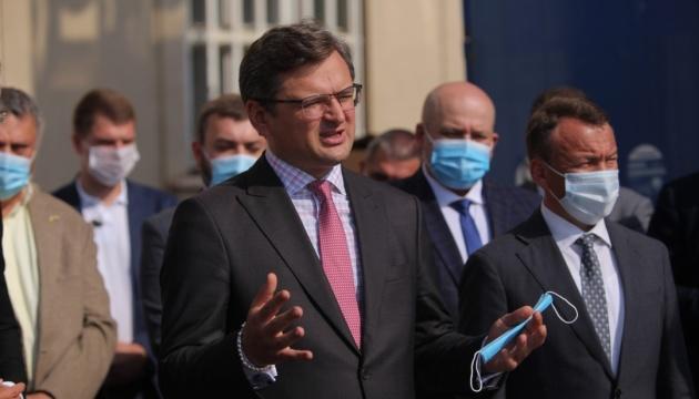 Photo of Украина в отношении белорусских санкций действовать согласованно с ЕС — Кулеба