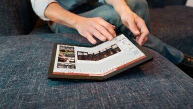Photo of Lenovo выпустила первый в мире ноутбук с гибким экраном