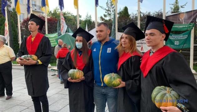 Photo of В ОП состоялась акция против деятельности Шкарлета как и.о. министра образования