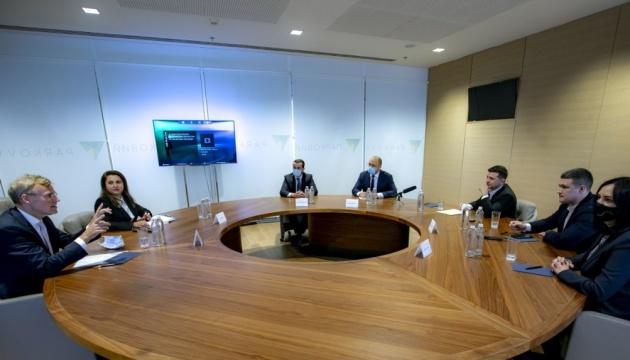 Photo of Зеленский — главе представительства Microsoft: Украина открыта для диджитал-новаций