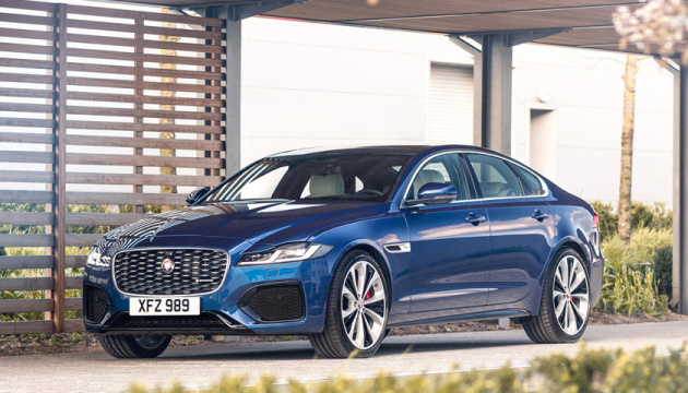 Photo of Jaguar представил седаны с двигателями на 246 и 296 «лошадей»