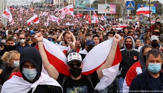Photo of Netflix снимает в Киеве фильм о протестах в Беларуси