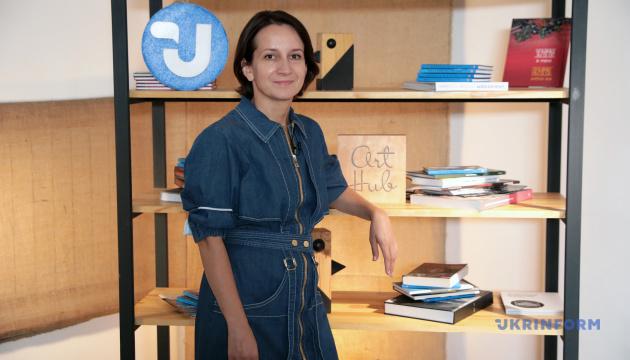 Photo of Ворожбит назвала сериалы, которые поразили ее как сценариста, режиссера и зрителя