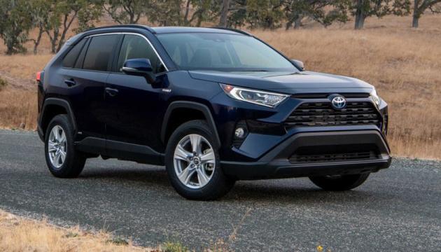 Photo of Toyota представила новый гибридный хэтчбек