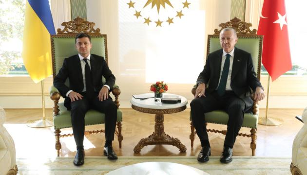 Photo of Зеленский и Эрдоган в Стамбуле проводят встречу с глазу на глаз
