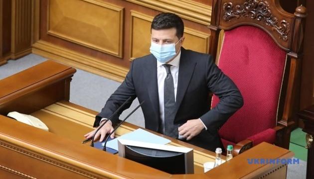 Photo of Президент уверяет, что безвизовые Украины с ЕС ничего не угрожает