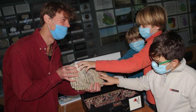 Photo of В Виннице краеведческому музею передали зуб мамонта