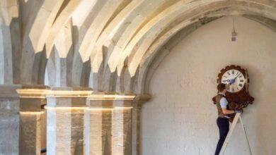 Photo of В резиденциях королевы Елизаветы II перевода часов продолжается двое суток