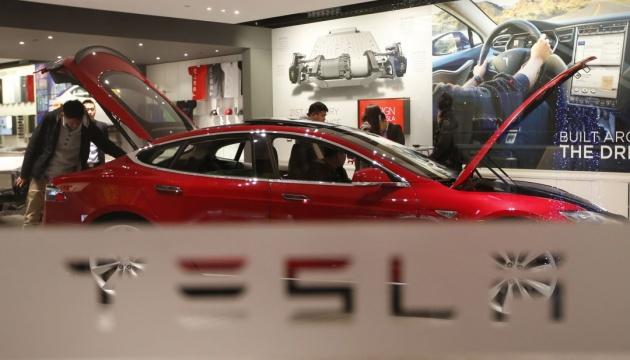 Photo of Будет горячо: Маск анонсировал обновление программного обеспечения для Tesla