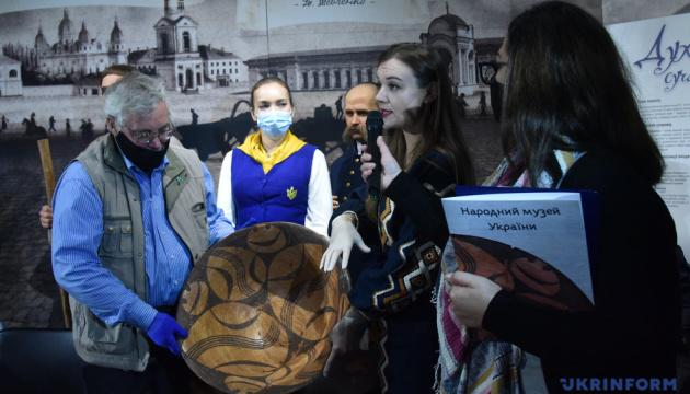 Photo of В Киеве презентовали «Трипольской Улыбку» старше 6000 лет