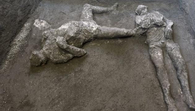 Photo of В Помпеях нашли останки двух жертв извержения Везувия