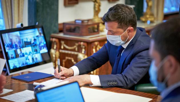 Photo of Ложь в декларациях: закон передали на подпись Зеленскому