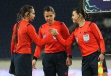 Photo of Украинская женская бригада арбитров судить матч Лиги Европы в Бельгии