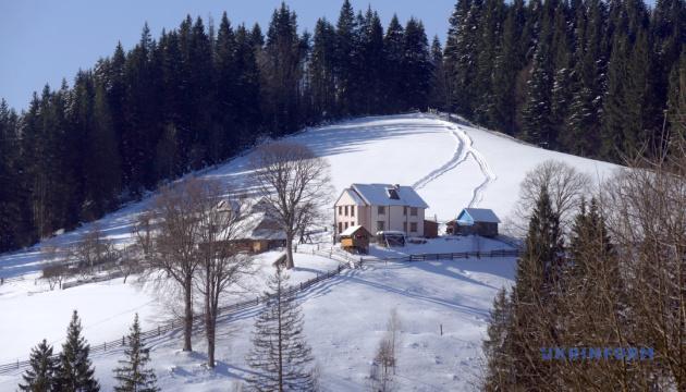 Photo of Для зимнего отдыха в Карпатах разработали 8 новых туров