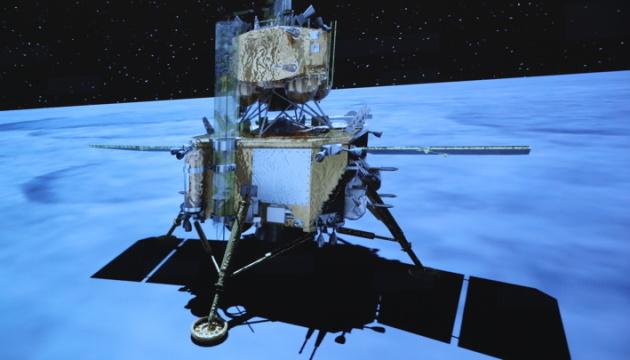 Photo of Китайский зонд успешно передал собранные образцы с Луны к орбитальному комплексу