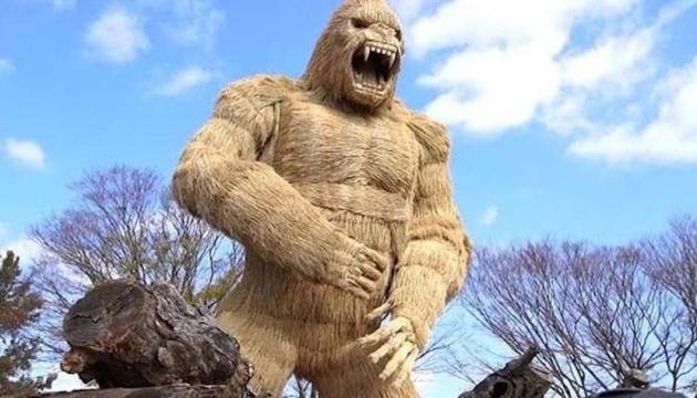 Photo of В японском парке появилась «антиковидна» горилла