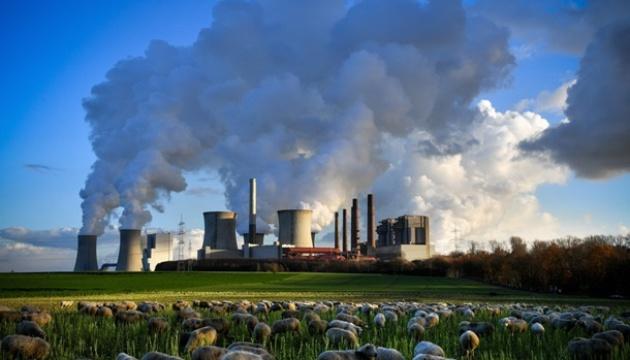Photo of Уровень выбросов углерода рекордно снизился из-за пандемии